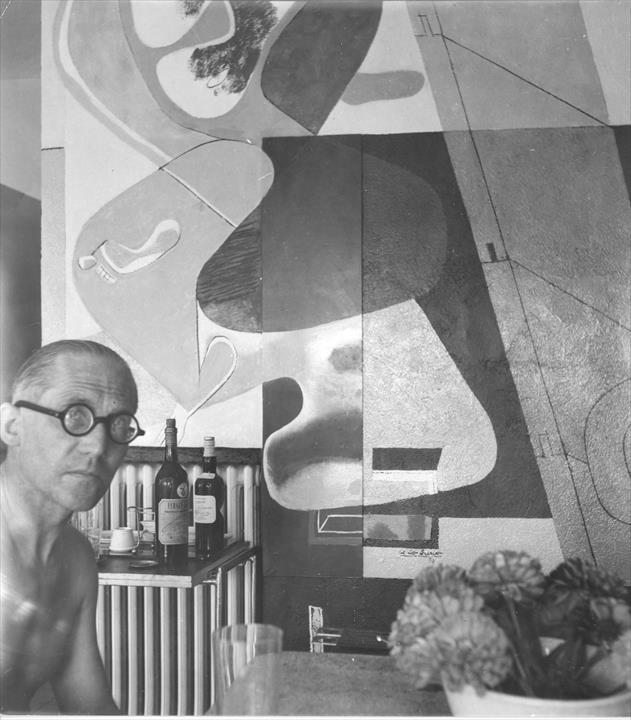 a life history of eileen gray the female architect Fabled modernist french villa e1027, designed by irish architect eileen gray, has witnessed wartime shootings, murder and vandalism by le corbusier now, at last, it has been brought back to life.