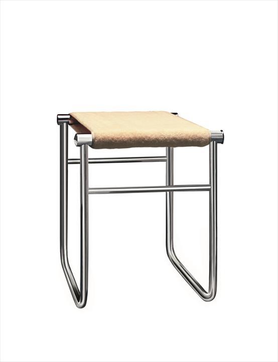cool le corbusier pierre jeanneret charlotte perriand lc sige de salle de bain photo cassina. Black Bedroom Furniture Sets. Home Design Ideas