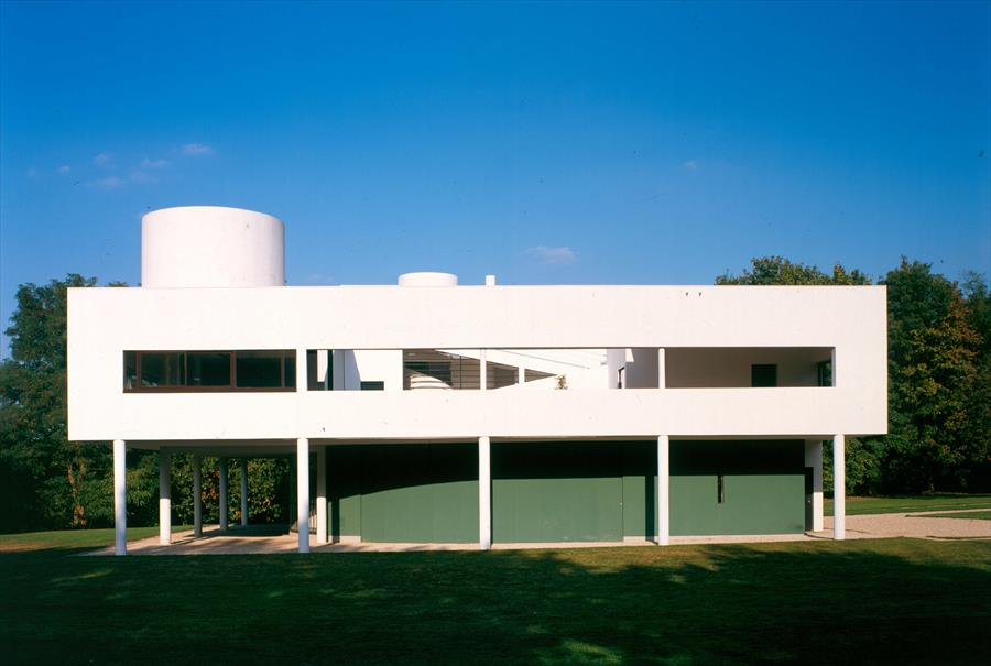 villa savoye Description change this the villa savoye is considered by many to be the seminal work of the swiss architect le corbusier situated at poissy, outside of paris, and designed in collaboraration with his cousin pierre jeanneret and completed in 1929, it is one of the most recognizable and programmatic architectural presentations of le corbusier.
